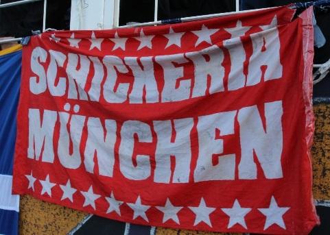 Schickeria München (mit Sternenrand)