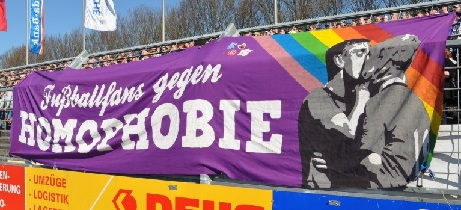 Fu�ballfans gegen Homophobie (VfB Oldenburg)