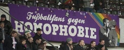 Fu�ballfans gegen Homophobie (St. Pauli, lila)